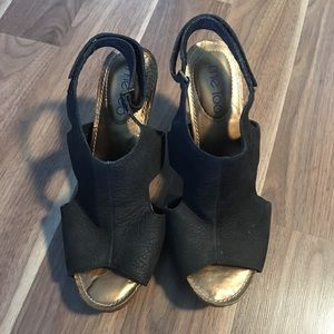 ME TOO - SZ 8.5- GUPPY LEATHER HEELS